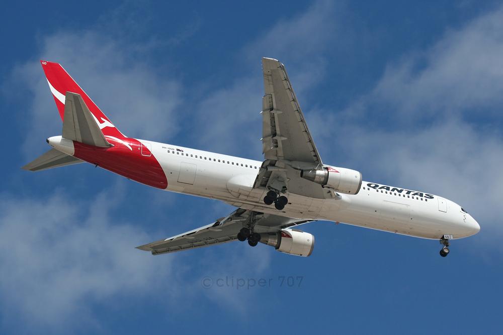 VH-OGD Qantas 767-338ER