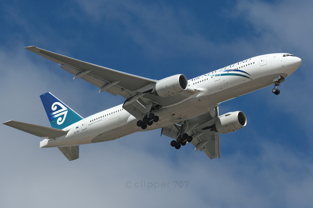 ZK-OKG Air New Zealand 777-219ER