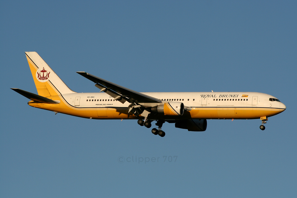 V8-RBG Royal Brunei Boeing 767-33A ER 8609