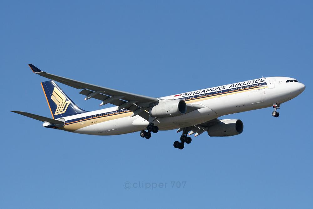 9V-STG Singapore Airlines A330-343E 4888