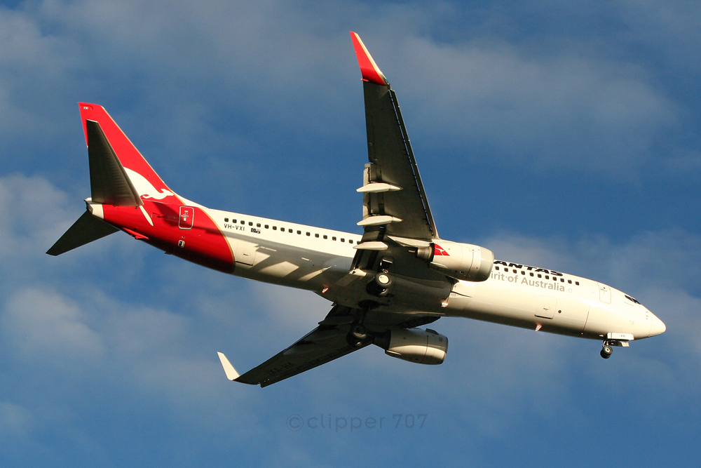 VH-VXI Qantas Boeing 737-838 1359