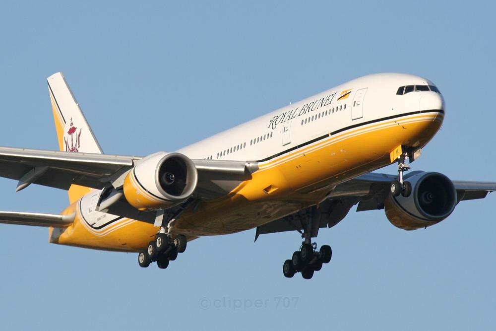 V8-BLE Royal Brunei Airlines Boeing 777-212 ER 5567-2