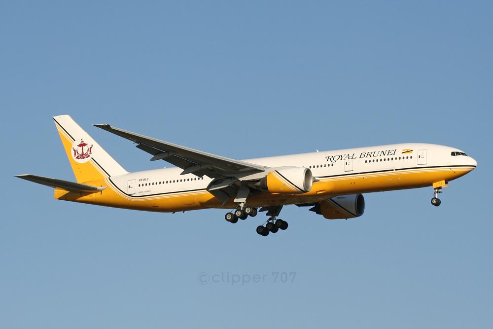 V8-BLE Royal Brunei Airlines Boeing 777-212 ER 5573-2