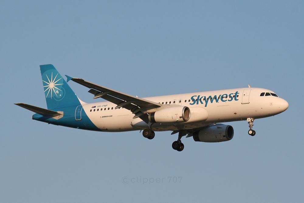 VH-FNP Skywest A320-231 5608