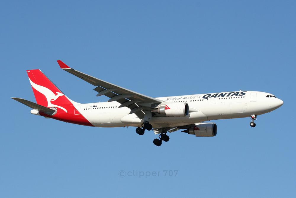 VH-EBN QANTAS Airbus A330-202 6117