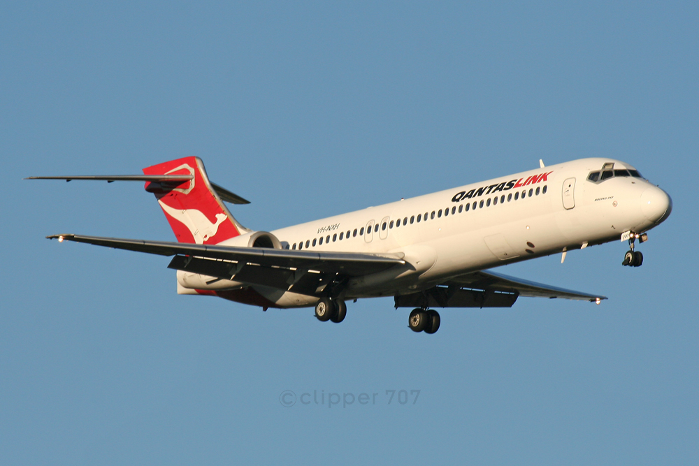 VH-NXH QANTAS Boeing 717-2K9 6422