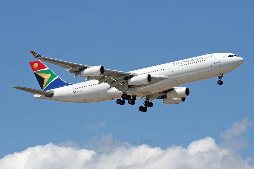 ZS-SLD South African Airways A340-212 5736
