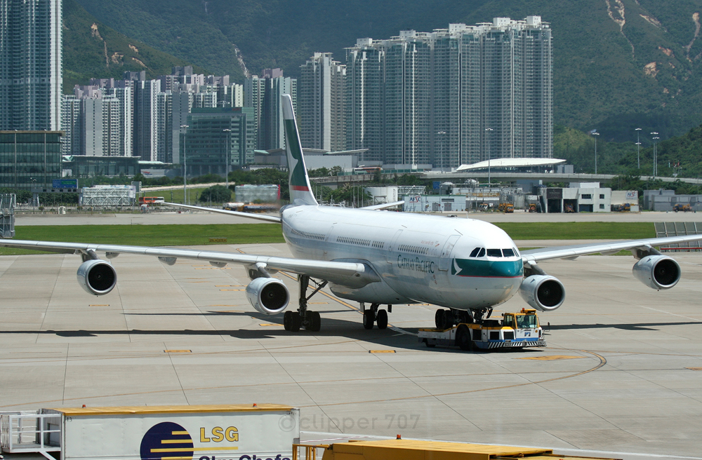 B-HXI Cathay Pacific A340-313X 9350-2
