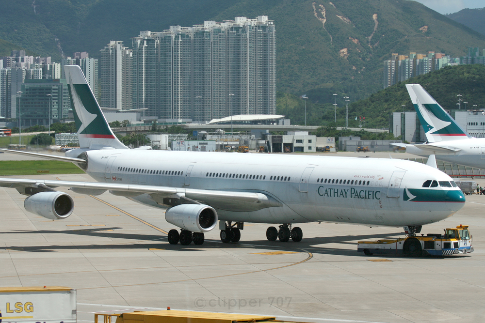 B-HXI Cathay Pacific A340-313X 9353-2