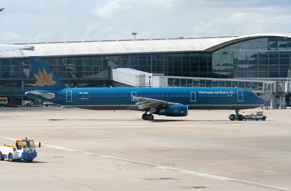 VN-A351 Vietnam Airlines A321-231 9393-2