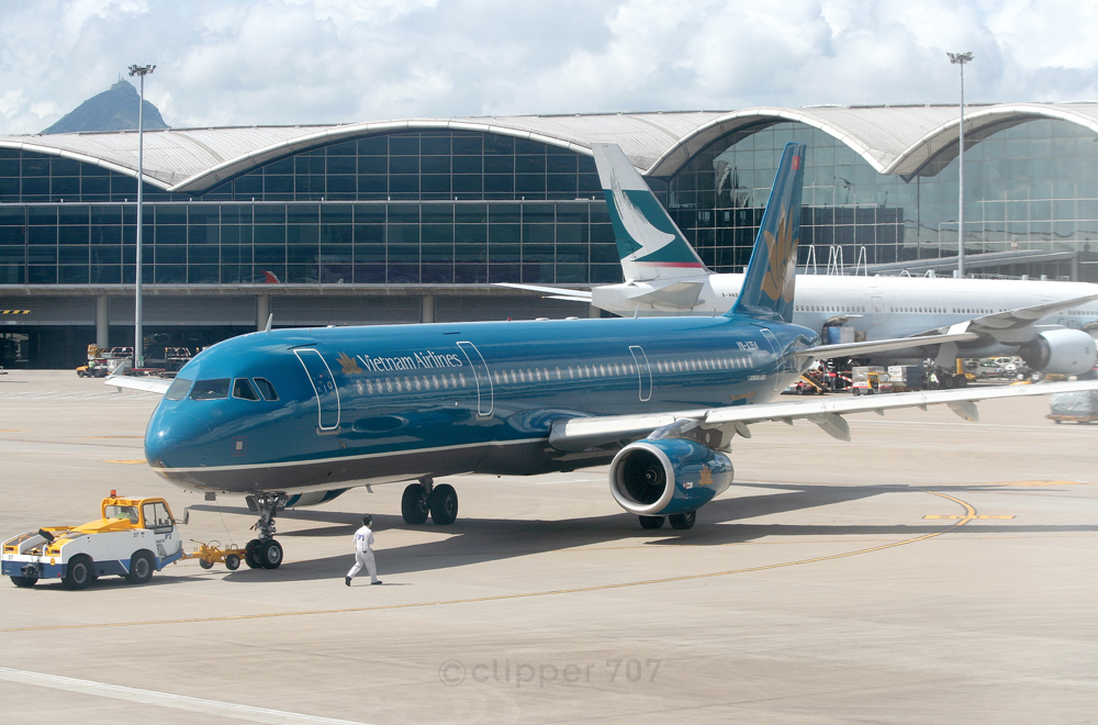 VN-A354 Vietnam Airlines A321-231 9390-2