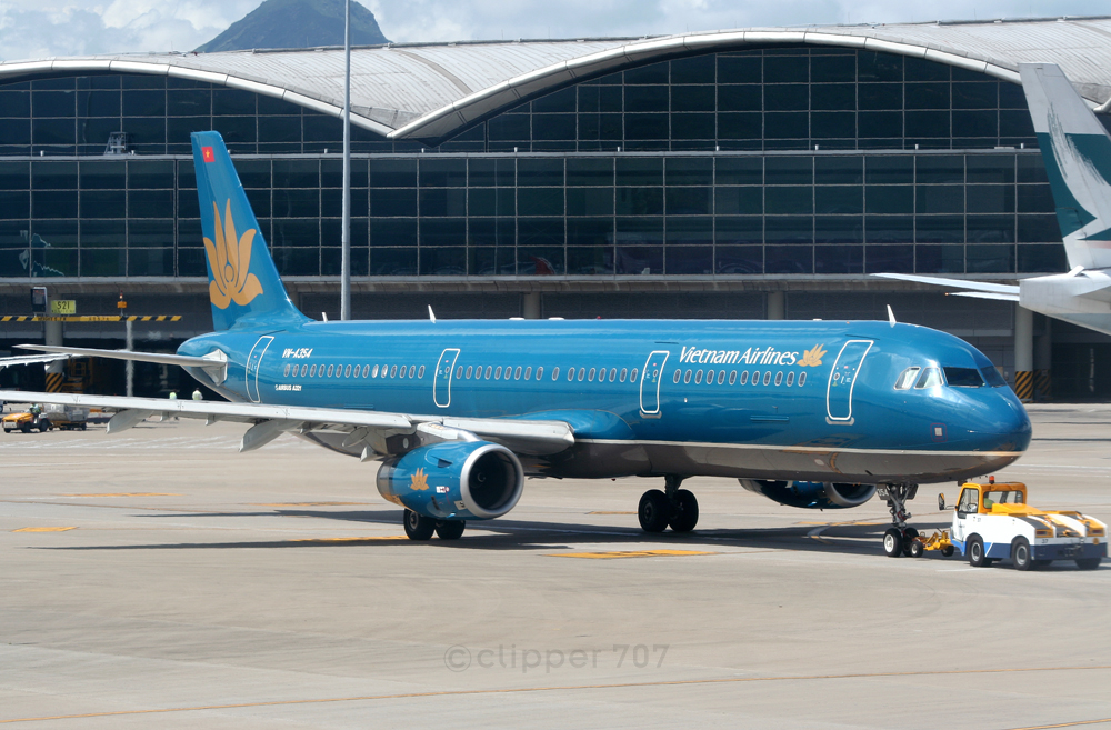 VN-A354 Vietnam Airlines A321-231 9392